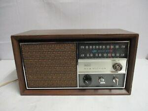 Vintage 1960's RCA Victor AM/FM Radio RGC29W Walnut MCM WORKS !
