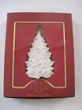 Lenox American by Design Tree w/ Presents Ornament Nib