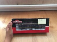 Intermountain Ho Scale Santa Fe Locomotive DC Only OSI Board Installed New