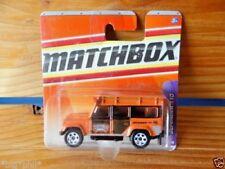 MATCHBOX 2006 LAND ROVER DEFENDER 110 72/75 ORANGE (SHORT CARD) (A+/A-)