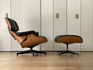 Authentic Herman Miller Eames Lounge Chair and Ottoman Black Leather and Walnut