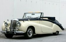 Daimler DB18 Special Sports from 1952 in Beige and Blue by NEO 46820 in 1:43