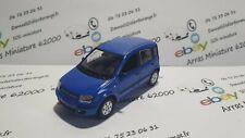 Fiat Panda Norev  1:43 eme  avec boite vitrine  (  neuf  )