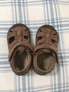 Stride Rite little boys brown leather sandals 4.5 M