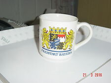 Trinkbecher aus Porzellan - FREISTAAT BAYERN -