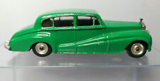 CLASSIC VINTAGE DINKY No 150 ROLLS ROYCE SILVER WRATH in Green.