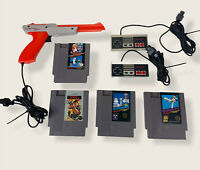 VTG Nintendo Zapper Gun w 2 Original Controllers & 4 Lot Of Classic Games Tested