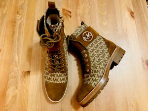 Michael Kors Tatum suede canvas brown lace up MK print ankle boots NWOB size 5.5