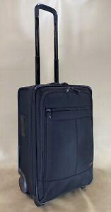 """Kirkland Signature Black 22"""" Upright Expandable Wheeled Carry On Suitcase 515223"""