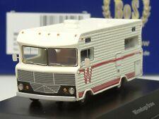 BOS Winnebago Brave Wohnmobil, 1973, weiss, rote Streifen - 87606 - 1:87