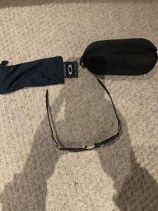 Oakley Sunglasses With Hard And Soft Case E Wire 2.1