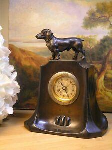 alte Tischuhr Wecker Figur Hund Dackel Metallobjekt True Vintage Jugendstil 1900