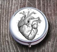 ANATOMICAL HEART VINTAGE PILL BOX ROUND METAL -cfr6Z