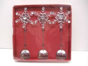 Pier 1 Imports 3 Snowflake Photo Holders In Box