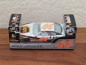 2007 #44 Dale Jarrett UPS Pit Stop 1/64 Action NASCAR Diecast