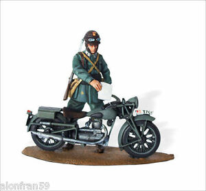 LEAD SOLDIERS MOTORCYCLE -GILERA LTE Carabiniere Scale 1:32 - SMI031