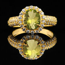 Oval Cut & Igi Certified Diamond Ring 14Kt Yellow Gold / Natural Peridot 1.90Ct