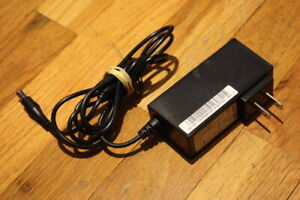 Genuine Samsung PS30A-14J1 AC Adapter Wall Charger 14.0V 2.14A