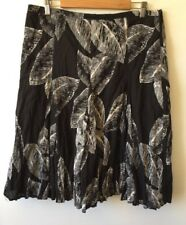 Gerry Weber Skirt Size 18 Black/White