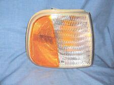 #1905- Passenger Corner/Park Light Fits 97-03 FORD F150 Pickup, 97-02 Expedition