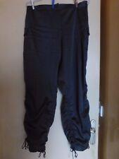 Pantalon kaki taille 40 en tissu satiné extensible marque S de style