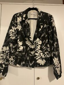 PLANET FLORAL BLACK AND WHITE JACKET SIZE 16