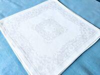 """Vintage 8 White Damask Dinner Napkins Floral Roses Fleur-de-lis Filigree 14""""x15"""""""