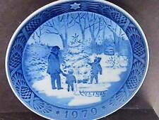 Royal Copenhagen 1979 Choosing The Christmas Tree Annual Plate