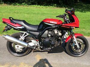 2000 W Yamaha FZS 600 Fazer Mk1 31K MOT stainless exhaust scottoiler bellypan