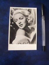 Lana Turner      Autograph (AP2) faint signiture