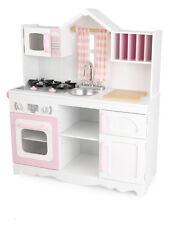 Weiße KidKraft Kinderküche als Bauernküche mit Giebel und Fenster