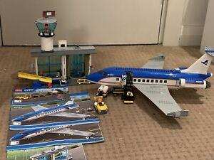Lego City Airport Passenger Terminal (60104) in Great Condition