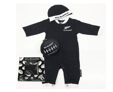 All Blacks Baby Beanie Bodysuit and Ball Giftset - Size 000