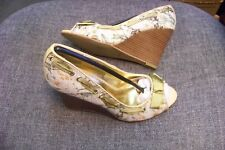 anne michelle nawty printed open toe wedge heels shoes size 6