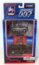 Voitures de courses miniatures gris Aston Martin 1:43