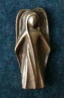 KLEINER SCHUTZENGEL FÜR DIE HANDTASCHE vor 1970 Bronze ca. 5 cm AMULETT