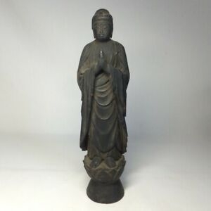 D0829: Japanese really old, serious wooden Buddhist statue with great atmosphere
