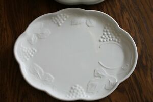 """1950's Milk Glass Snack Trays/Plates Set Of 4 with Grapes Leaves Vines 10""""x 8"""""""
