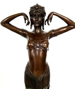 Bronze Skulptur nach Chiparus, auf Marmorsockel, Künstlersignatur Art Deco