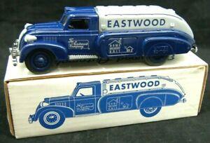 1939 EASTWOOD  Series II 1939  Dodge Airflow by ERTL MIB