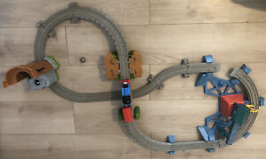Thomas & Friends Trackmaster Railway Quest for the Crown & Thomas Train