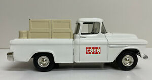 Ertl 1955 CAMEO Pickup Truck Bank Diecast 1/25 Scale Case White Nice Vintage
