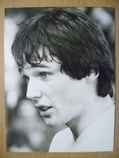 100% ORIGINAL PRESS PHOTO 1979- ALAN HANSEN at LIVERPOOL FC, PLAYER IN ACTION