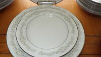 NORITAKE Fine China Dinnerware Set Donegal Contemporary China 38 pieces
