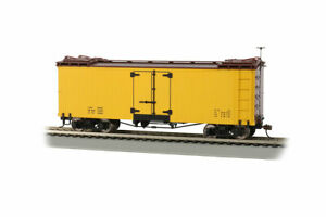 Bachmann 27495 On30 Data Only Yellow with Brown Roof and Ends Reefer Car