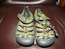Keen Sandals Shoes Green/Red Waterproof Size 11 Boy's EUC