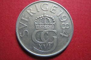 << SWEDEN,  1984 SVERIGE  5  KRONOR,  Nickel Coin, Very Good Condition