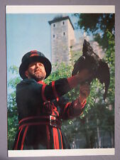 R&L Postcard: Tower of London Ravenmaster, HMSO