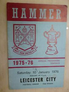 1975/76 FOOTBALL LEAGUE: WEST HAM UNITED v IPSWICH TOWN - 27th December