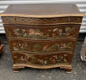 Baker Historic Chippendale Style Chinoiserie decorated Serpentine Chest